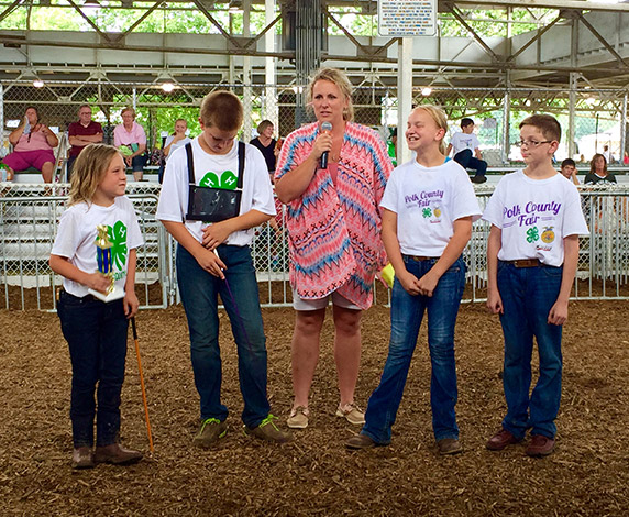 Cristen and 4H kids at the fair