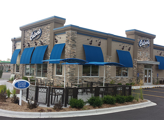 A photo of a Culver's restaurant taken from its parking lot