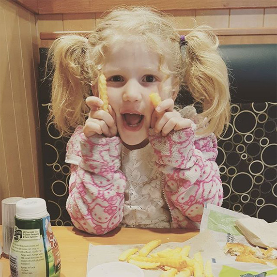 When your dinner date is so cute, you can't be mad if they play with their food.